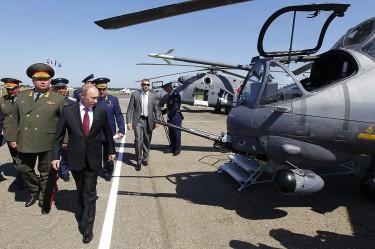 Путин с хеликоптер на работа