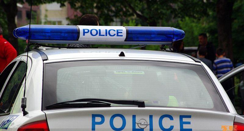 Почерпен мъж рани 5-годишно дете