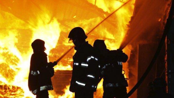 Пожар изпепели една от сградите на приюта