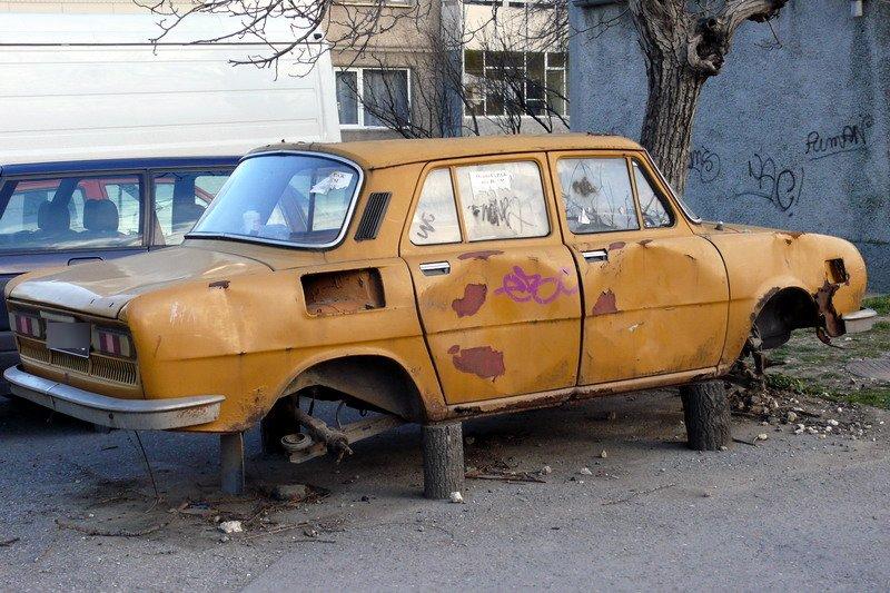Масови проверки за изоставени автомобили