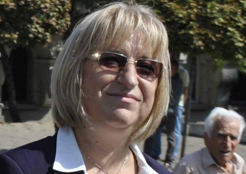Министърът на правосъдието Цецка Цачева подава оставка