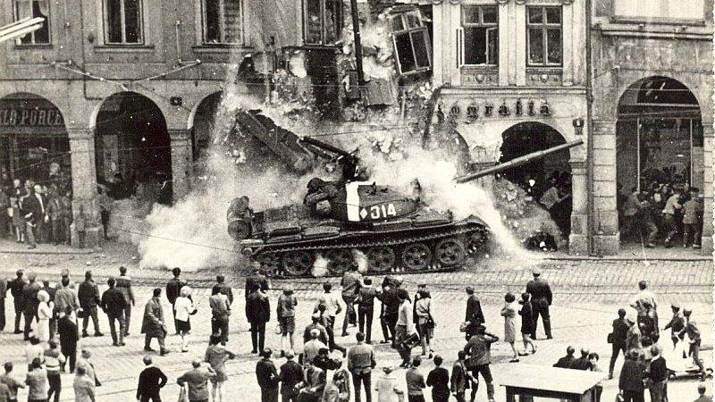 Половин век от смазването на Пражката пролет