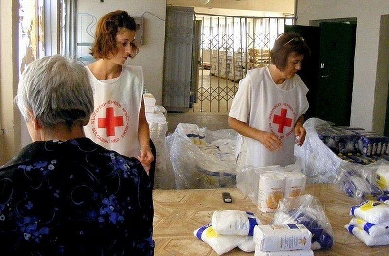 Все повече стават доброволците към Българския червен кръст в Русе