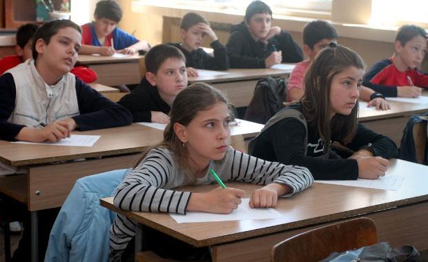 636 двойки на изпитите след 7-ми клас