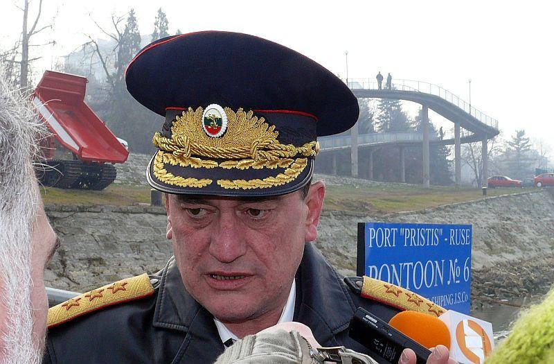 Няма да се закриват районните пожарни