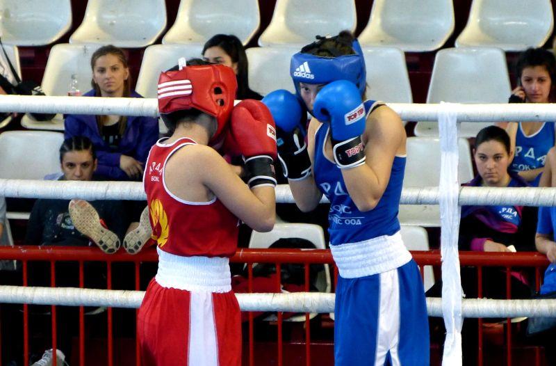 """10 медала за боксьорките на """"Русе"""""""