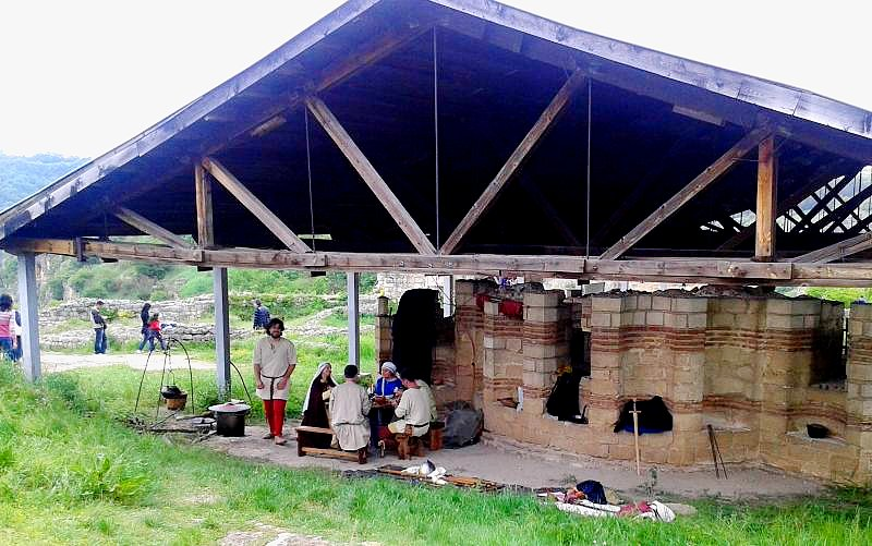 занаятите и военното дело на нашите предци