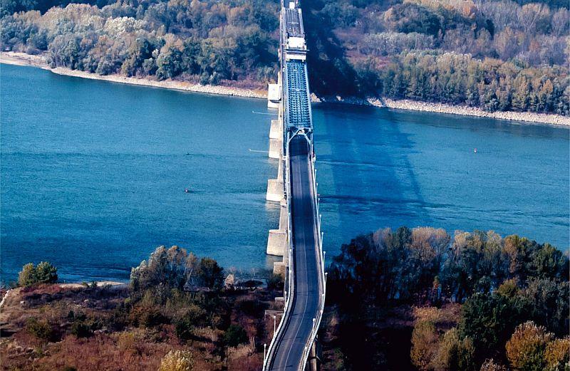 Третият мост над Дунав