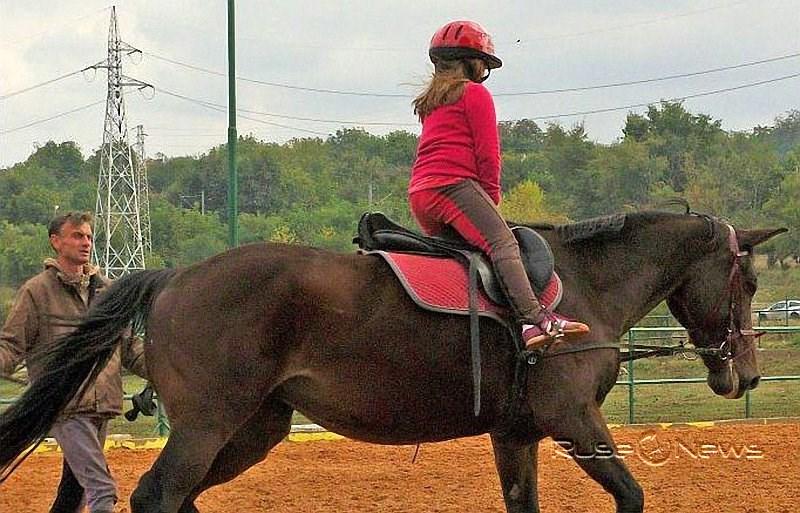 Благотворителна кампания за набиране на средства започва Клубът по конен спорт