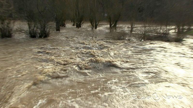 локални наводнения