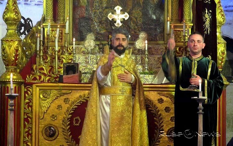 Арменците празнуват