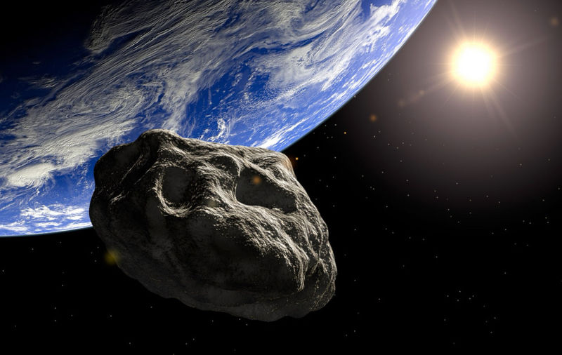 Астероид с размерите на три Хеопосови пирамиди