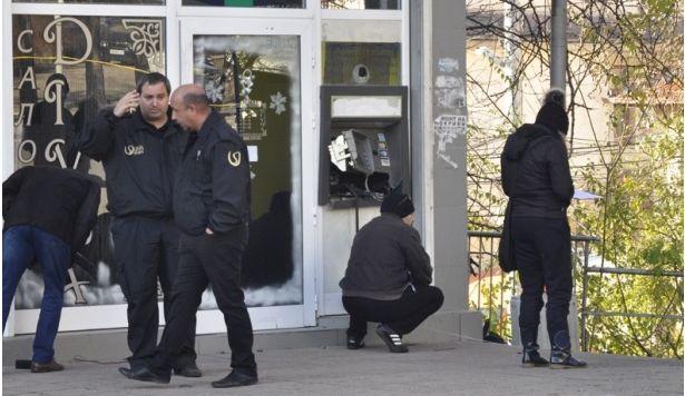 Трима русенци отиват на съд за опит да разбият и оберат банкомат