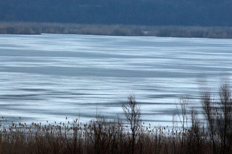 Седемсантиметров лед