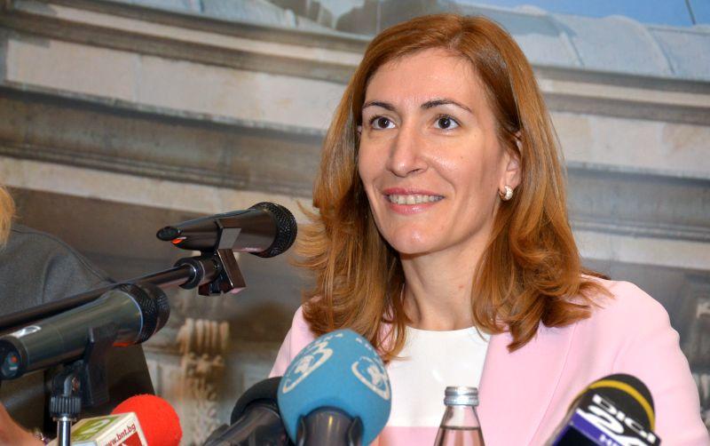 Николина Ангелкова 1 милион румънци