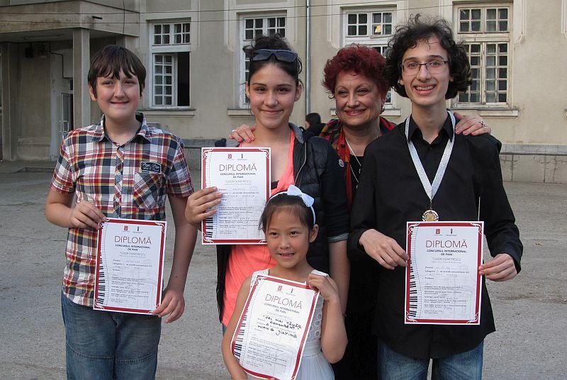 С четири награди се завърнаха младите русенски таланти