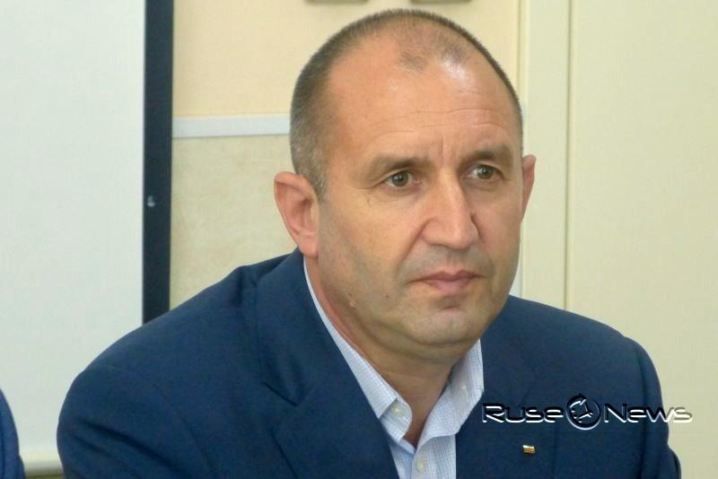Президентът Румен Радев върна