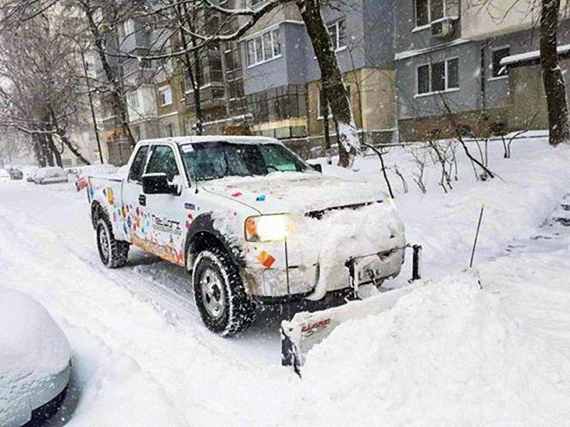"""""""Нетуоркс"""" се включи в почистването на снега"""