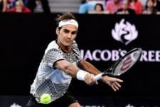 Роджър Федерер пише история, продължавайки удивителното си завръщане на корта и за първи път от 2015 г. ще играе на финал на турнир от Големия шлем.