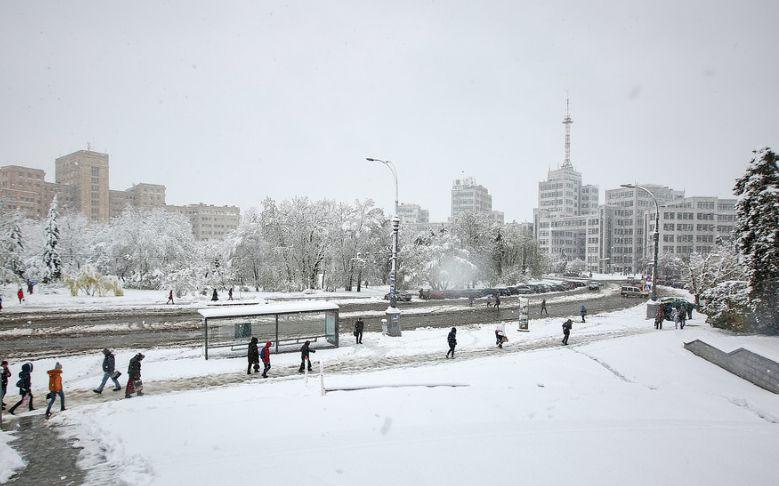 Априлски сняг