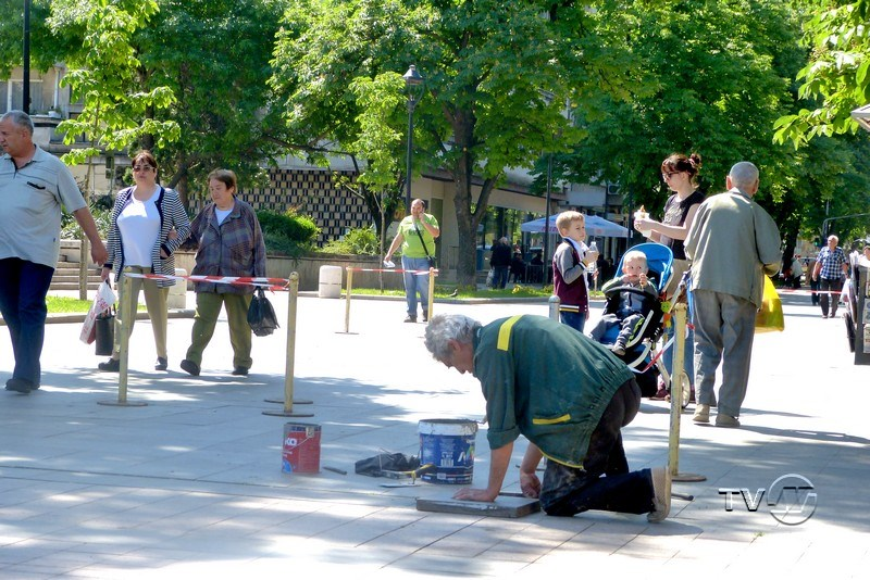 Прокуратурата се захвана с ремонта на централния градски площад