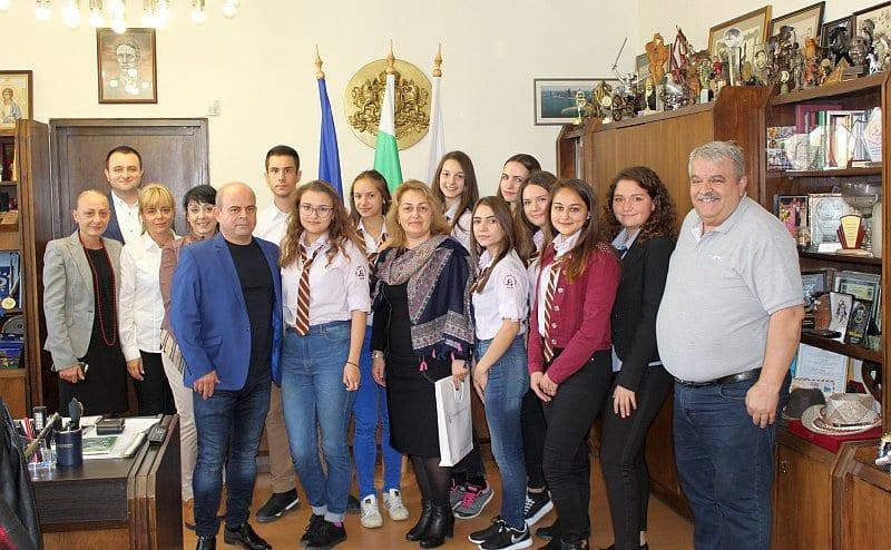Ученици управляваха Община Русе