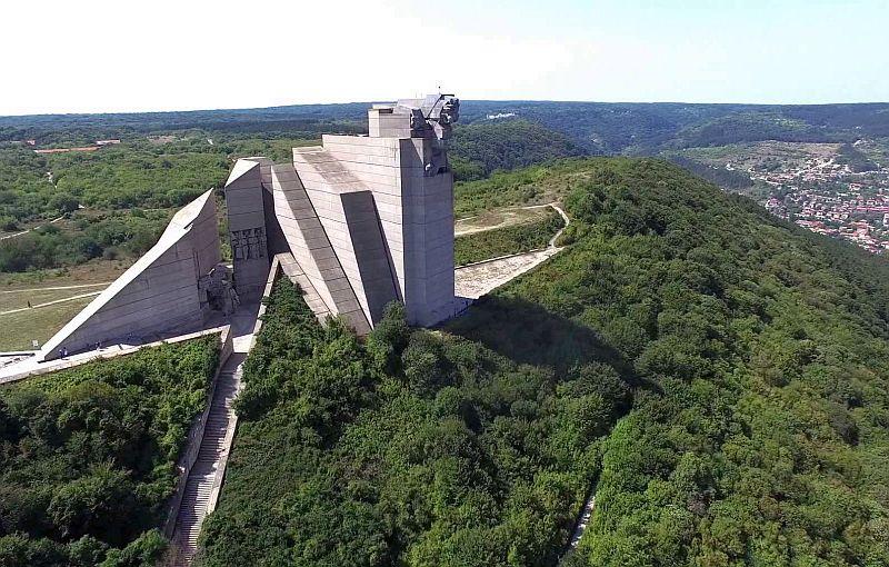 Най-големият паметник в България