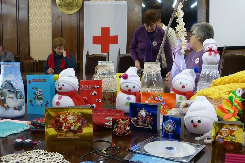 Коледен благотворителен базар