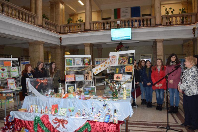 Благотворителен базар за студенти