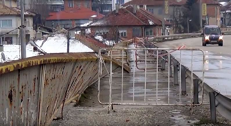 Парапет на мост