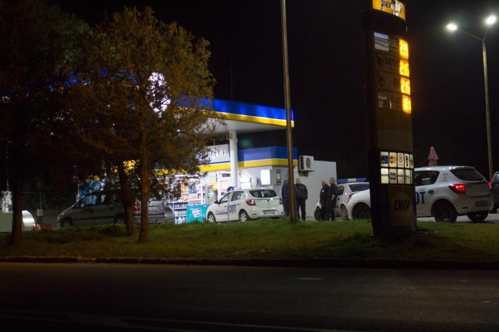 маскирани обраха бензиностанция