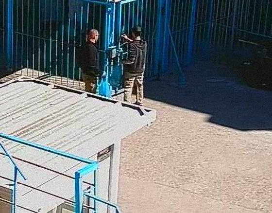 МВР разпространи още снимки на избягалите затворници