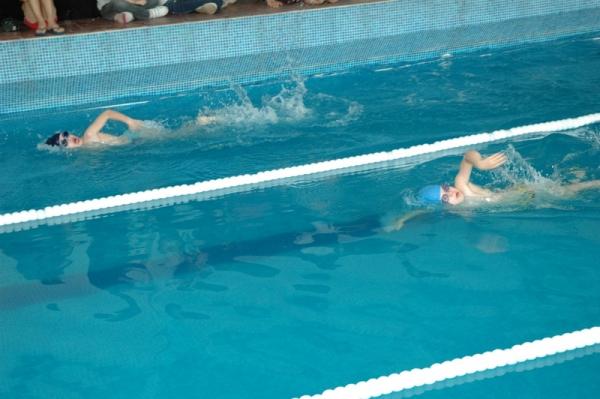 Плувен празник събра над 150