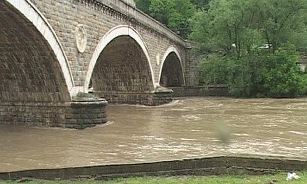 100-годишен мост