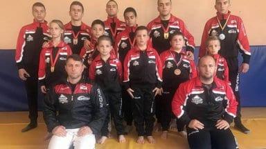 11 медала