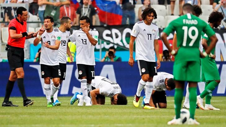 Испания спечели група В