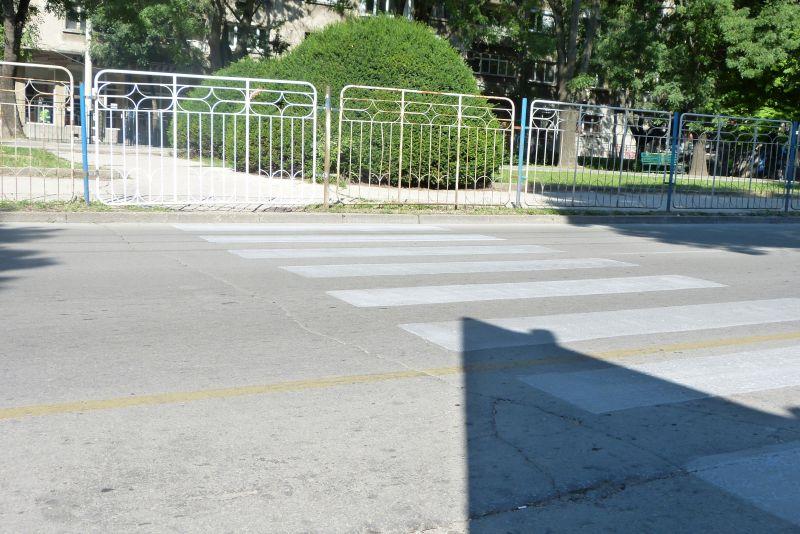 Пешеходните пътеки в Русе намаляват