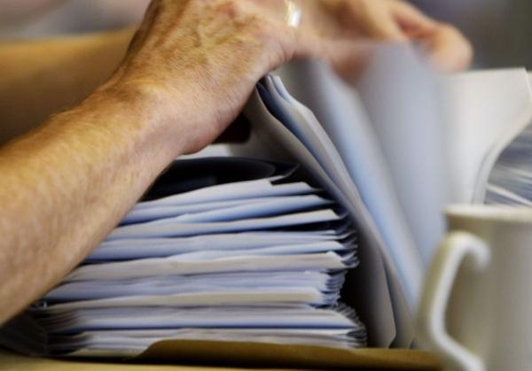 Отпада издаването на хартия на шест вида