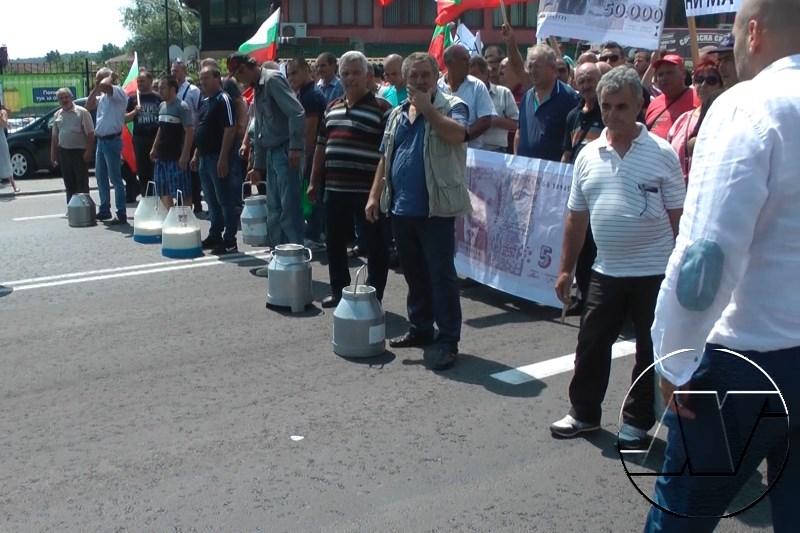 фермери блокираха пътя София – Варна