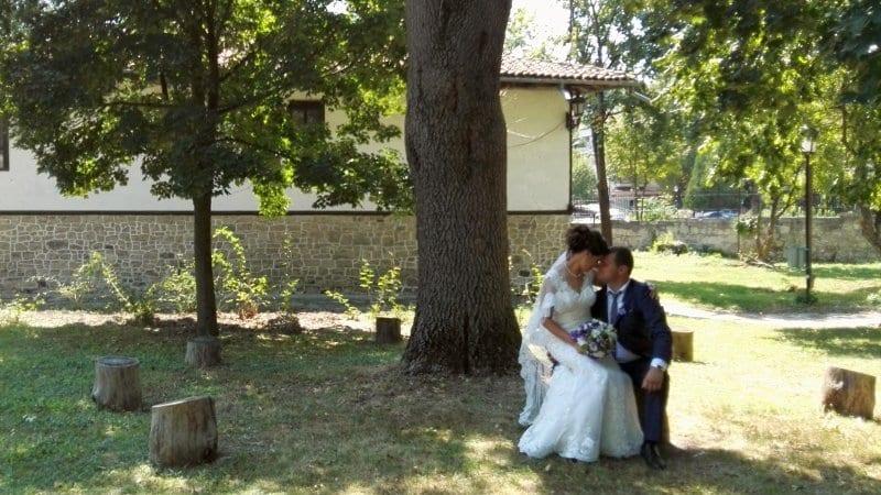 Две двойки се врекоха във вечна любов в Историческия музей в Бяла