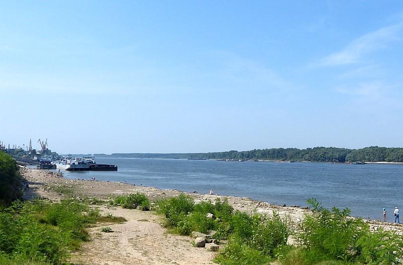 Ниското ниво на река Дунав затруднява