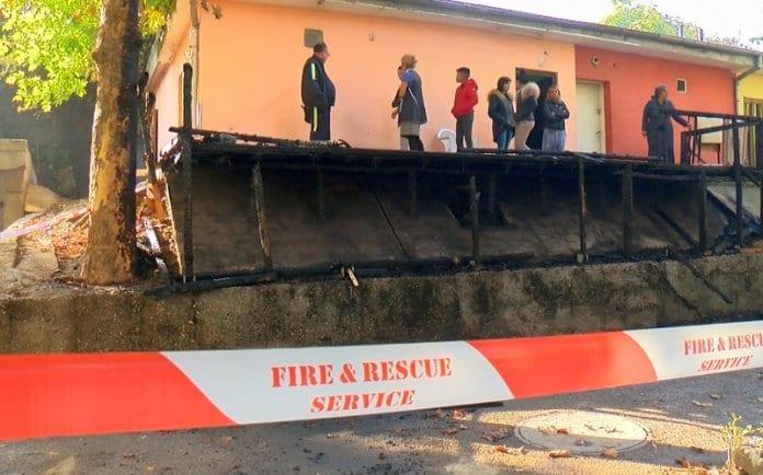 Пожар пред общинско жилище