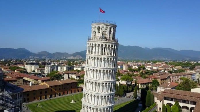 Кулата в Пиза вече е по-малко наклонена