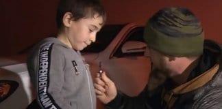 """5-годишен получи """"Мерцедес"""" от чеченския президент"""