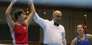 Габриела Димитрова стартира с победа на Световното