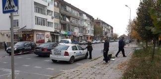 Психично болен нападна полицейски патрул със сатър