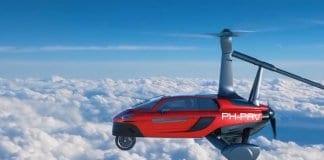 Летяща кола се задава на хоризонта