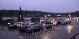Tesla покрива цяла Европа със зарядни станции