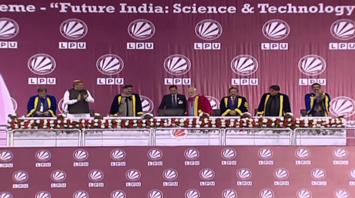 Индийски учени оспорват Нютон и Айнщайн