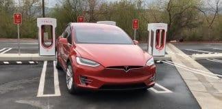Tesla планира само една зарядна станция в България